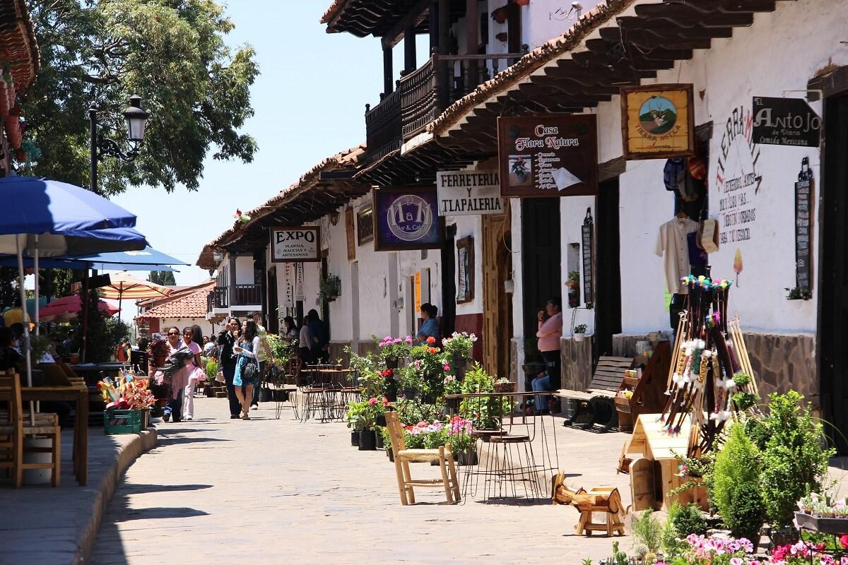 Qu paseos hacer en guadalajara viva mexico for Para desarrollar un parque ajardinado