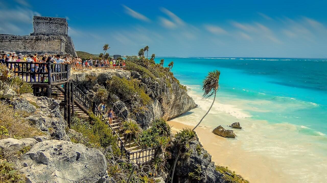 Resultado de imagen para mexicanos turismo