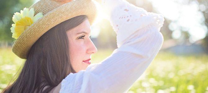 Cómo mantener alejadas las espinillas del rostro durante el verano