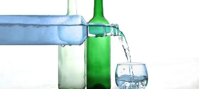 Qué beber cuando estás deshidratado y qué hay que evitar al reponer líquidos este verano.